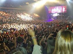 Justin_fans2.jpg
