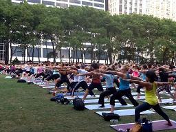 Yoga_bryantpark.jpg